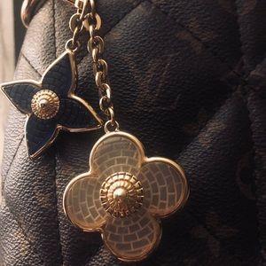 Louis Vuitton handbag charm clip